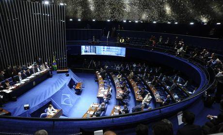 Semana no Senado terá votações de impeachment e da cassação de Delcídio