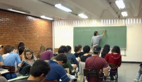 Fies: programa ainda precisa ser aperfeiçoado, dizem instituições particulares