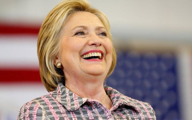 Hillary Clinton assegura delegados necessários para sua nomeação, diz agência