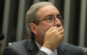 Aliados iniciam desembarque, e cresce pressão para Cunha sair