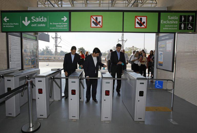 Secretário de Transportes participa da viagem inaugural do centésimo trem comprado pelo Governo do Estado