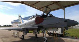 Marinha diz que choque entre caças derrubou avião em Saquarema
