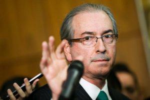 Eduardo Cunha renuncia à Presidência da Câmara