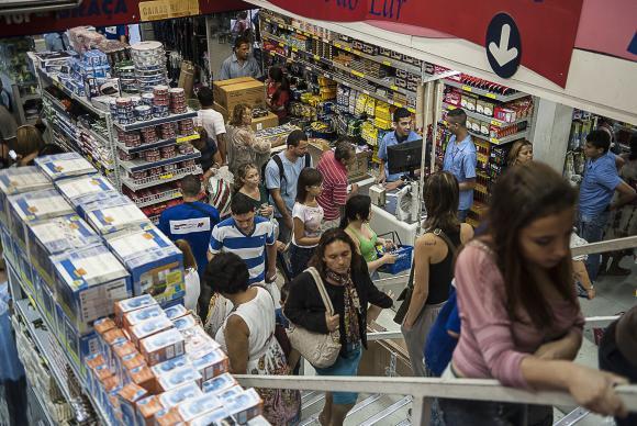 Vendas do comércio varejista têm queda de 7,3% em 2016
