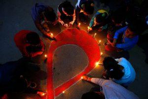 Número de infectados pela Aids volta a subir no Brasil, alerta pesquisa
