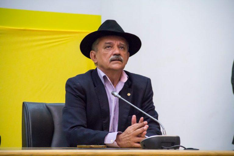 Deputado Luiz Carlos Ramos, é coautor de lei que estabelece única e exclusivamente à modalidade de transporte público individual em alteração a lei 12587/2012 e acrescenta o art. 12-C na mesma Lei, alterando o art 1º da Lei 13103 de 02 de Março de 2015