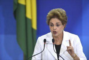Relatório do impeachment é fraude jurídica e política, diz Dilma