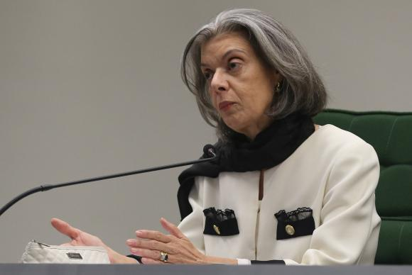 Cármen Lúcia toma posse hoje na presidência do STF