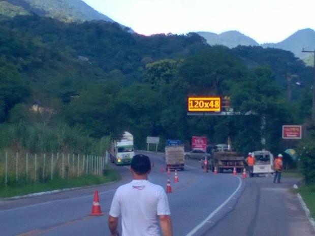 RJ-116 terá painéis com informações sobre o trânsito ao longo da rodovia