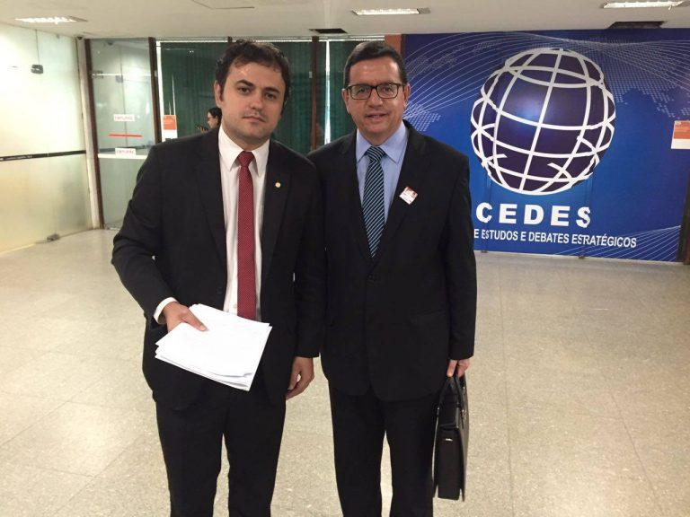 Prefeito Renato Bravo e deputado Glauber Braga se encontram em Brasília para tratar das emendas destinadas à Saúde de Nova Friburgo