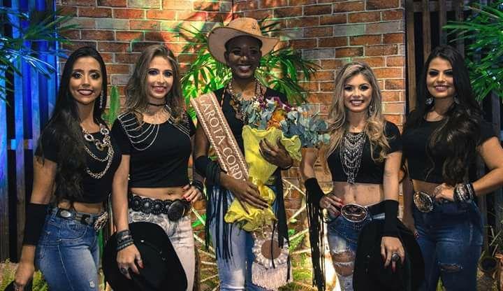 Sara Felipe conquista o Concurso Garota Cordeiro 2017