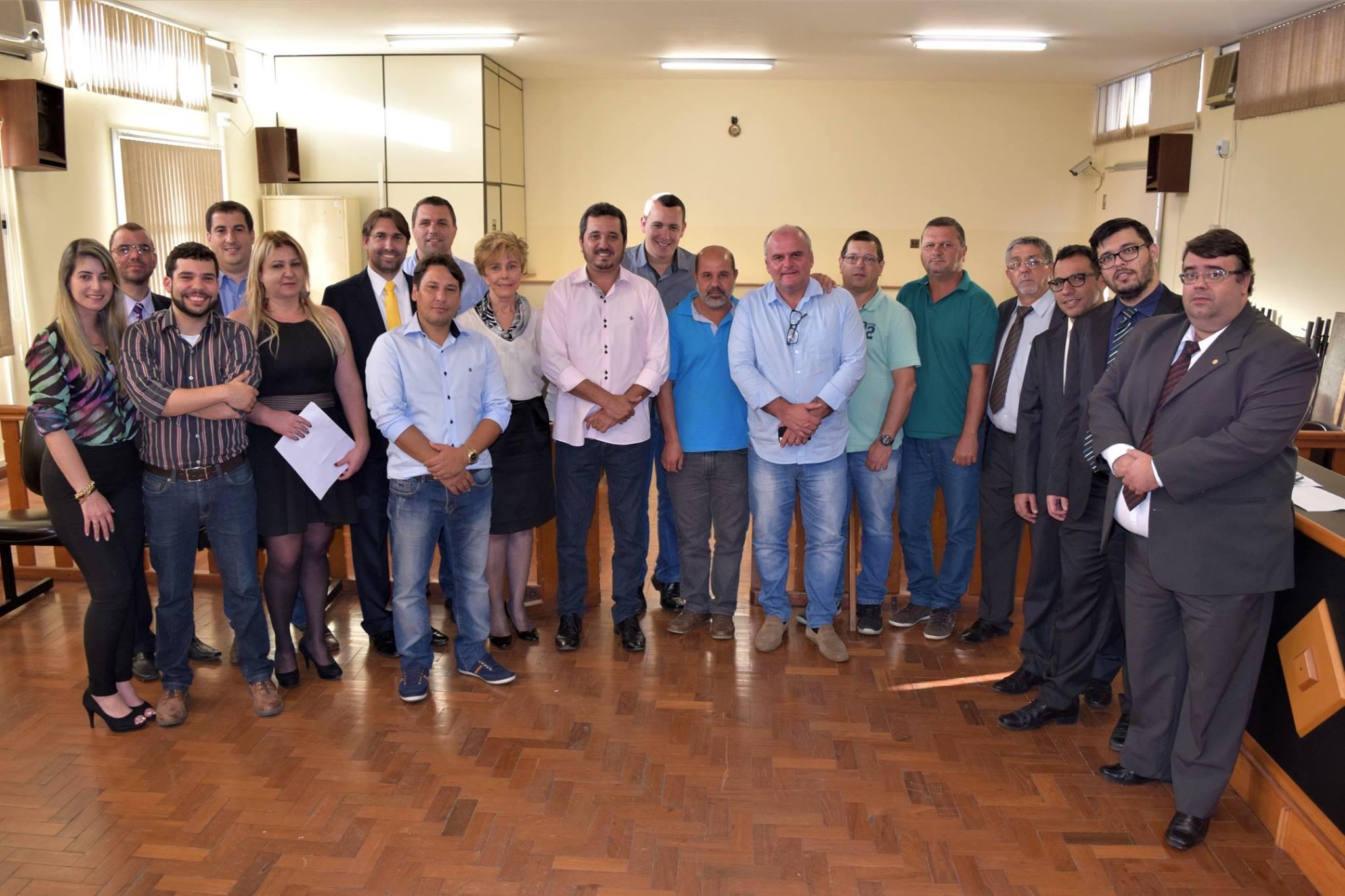 O Prefeito Tavinho Rodrigues reuniu com Gestores da região, para discutir os impactos sociais, jurídicos e geográficos de eventual reestruturação de Comarcas Judiciárias