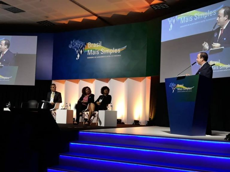 Prefeito de Macuco é convidado para palestrar no Brasil Mais Simples em Brasília