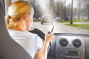 Usar o celular ao volante será infração gravíssima