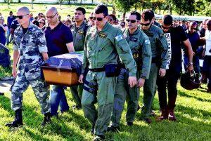 Militar que estava em helicóptero que caiu dobrou plantão
