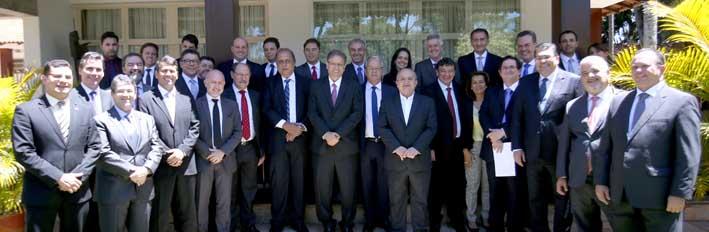 Pezão e outros 12 chefes de Estado se reúnem com os presidentes da Câmara e do Senado em Brasília
