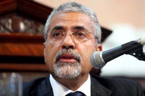 Secretário da Casa Civil diz que ajuste vai regularizar salários