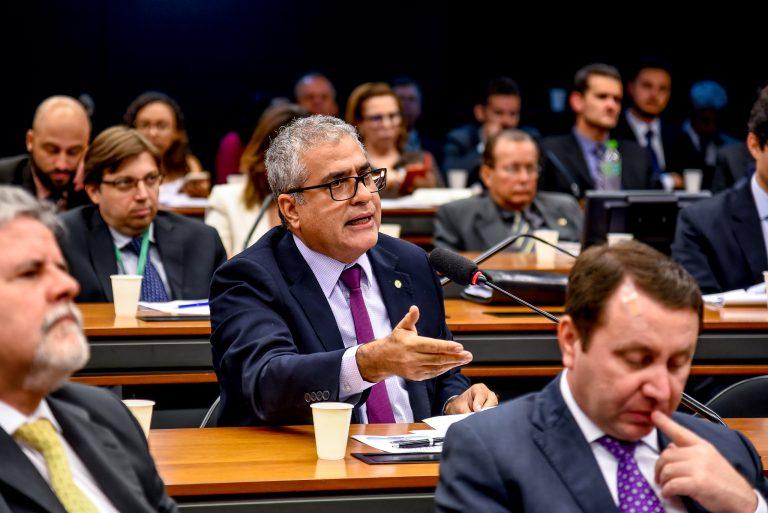 Christino defende recursos para prevenção à acidentes com vazamento de óleo no país