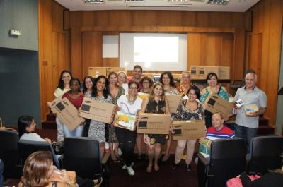 Notebooks são entregues para escolas de EJA em Nova Friburgo