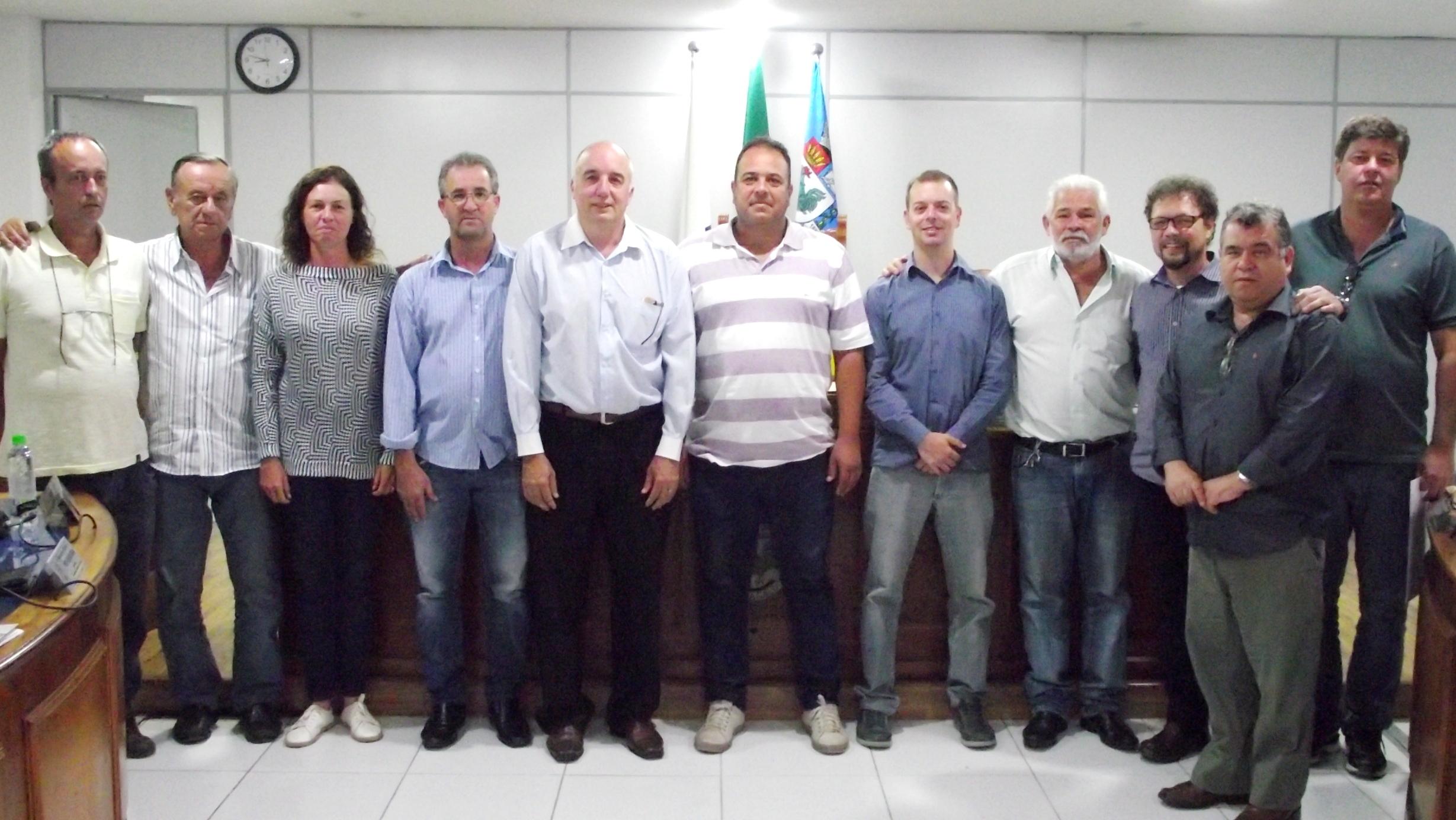 Vereadores cantagalenses solicitam informações sobre pilha de escória às margens do Rio Paraíba do Sul