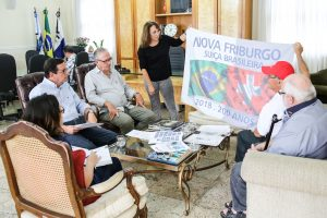 Prefeito Renato Bravo recebe comissão dos 200 Anos
