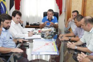 Prefeito Rogério Cabral realiza reunião de avaliação do pedido de reajuste da tarifa de transporte público