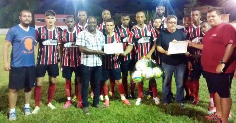 Amistoso de futebol marca aniversário do Macuco Esporte Clube