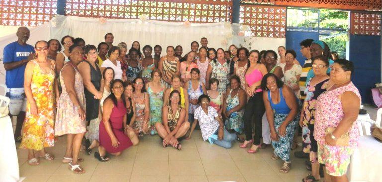 Secretaria homenageia mulheres do Grupo Flor de Ipê em Macuco