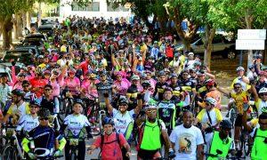 A festa das bikes em Macuco