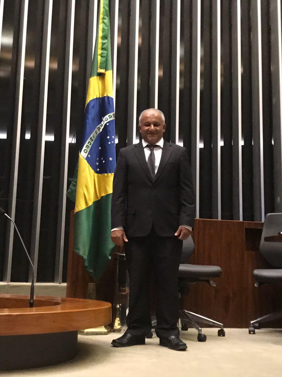 Deputado Lourival Gomes solicita apoio à consultoria legislativa para projeto de emenda à lei de licitação 8666/1993