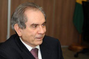 Ato de Maranhão foi 'equivocado', diz presidente da comissão especial