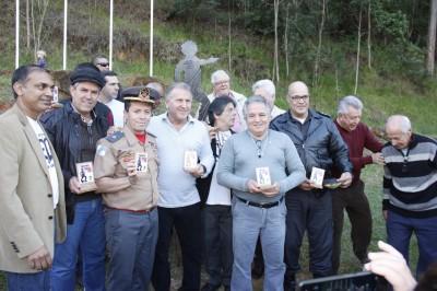 Zico ganha monumento em sua homenagem em Nova Friburgo