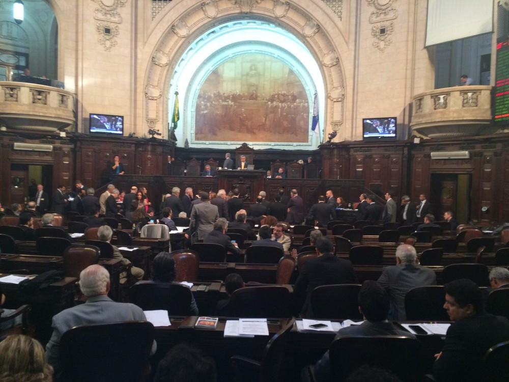Governo do RJ repassa R$ 57 milhões para pagamento do Legislativo