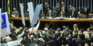 Câmara aprova texto-base da reforma trabalhista