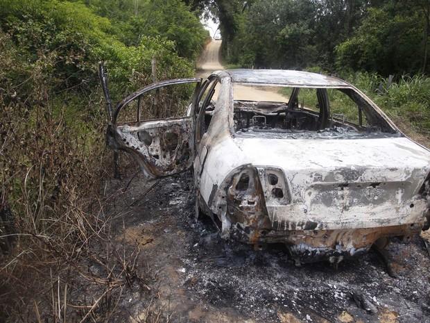 Loalwa Braz, do Kaoma, é achada morta em carro incendiado, diz polícia