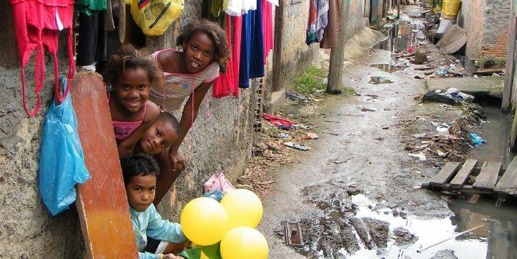 Estudo mostra que 40% das crianças de 0 a 14 anos no Brasil vivem na pobreza