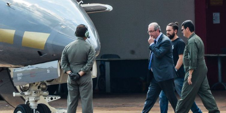 Cunha diz à PF que seu silêncio nunca esteve à venda e que Temer não o procurou