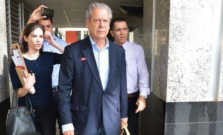 Dirceu é condenado a 23 anos de prisão por corrupção e lavagem de dinheiro