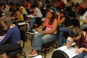 MEC: prorrogada validade de documentos do Fies devido à greve dos bancários