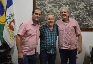 Deputado Luiz Martins é recebido na Prefeitura de Cordeiro