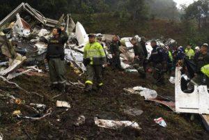 Buscas por sobreviventes do acidente da Chapecoense são encerradas