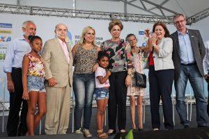 Mil famílias de baixa renda do Rio de Janeiro ganham imóveis