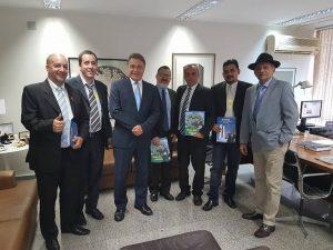 Deputado Federal  Luiz Carlos Ramos Podemos/RJ, protocolou no congresso nacional projeto de lei nº 8790 de 2017 que cria o conselho federal e os conselhos regionais dos taxistas