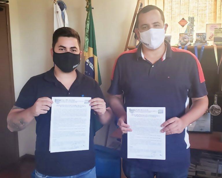 Prefeito de Trajano Rodrigo Viana encaminha ofício ao Butantan para adquirir lotes de vacina contra a Covid-19