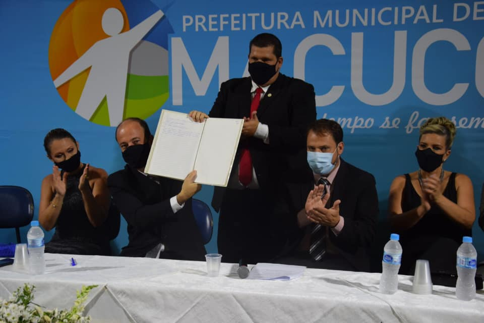 Bruno Boaretto toma posse para seu segundo mandato