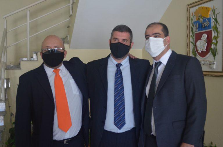 Leonan Melhorance e Elvis Mutti são empossados e Pablo Sergio é o novo Presidente da Câmara em Cordeiro.