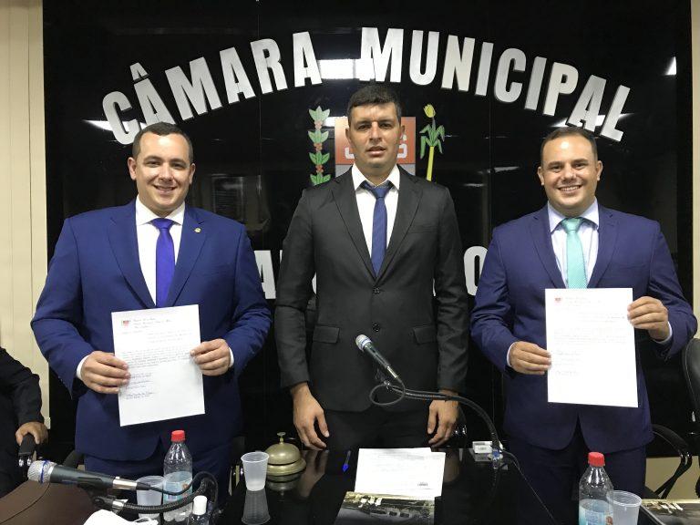 Prefeito Rodrigo Viana, vice Matias Mendes e vereadores são empossados em Trajano