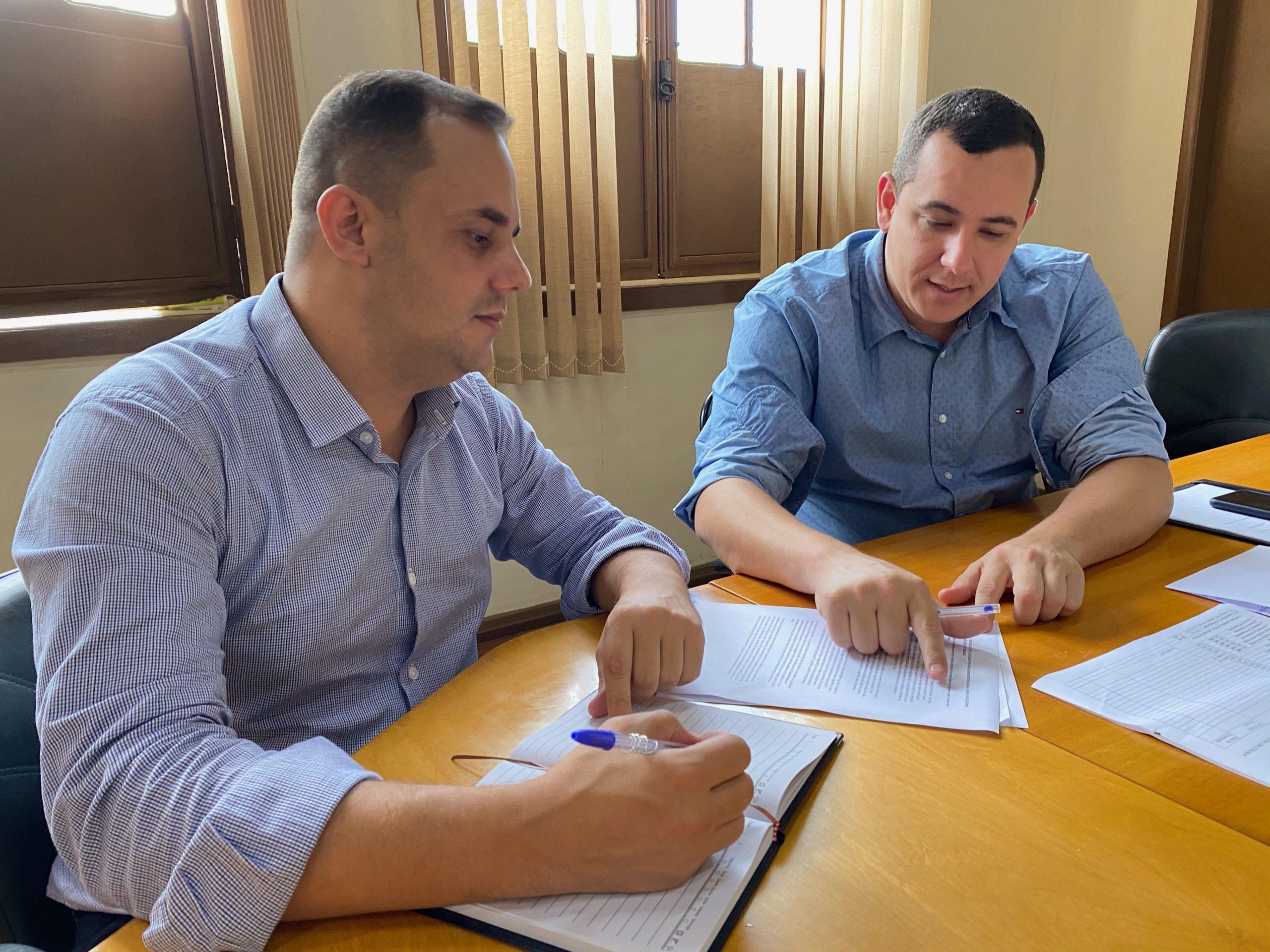 Prefeito de Trajano Rodrigo Viana e vice Matias Mendes estudam reestruturação administrativa em Trajano